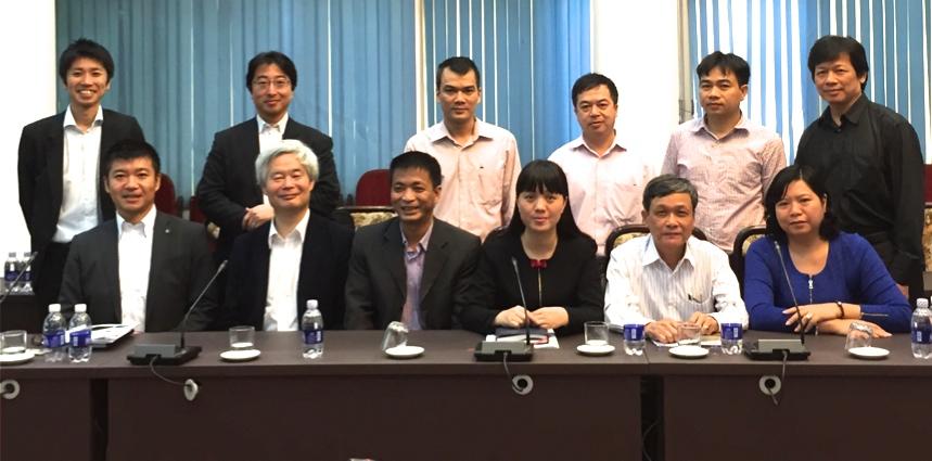 2015年4月、ベトナム国鉄・ウェザーニューズ共同で 開催した気象リスクに関する意見交換会の様子
