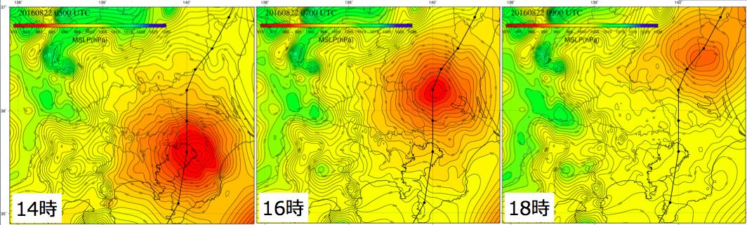 図9: 「WITHセンサー」の海面気圧 現地気圧データから推定。等値線と色が海面気圧を示し、赤色ほど気圧が低い。 ※海上は陸上のデータからの外挿のため信頼性に劣る。黒丸と黒太線は気象庁の台風経路を示す。