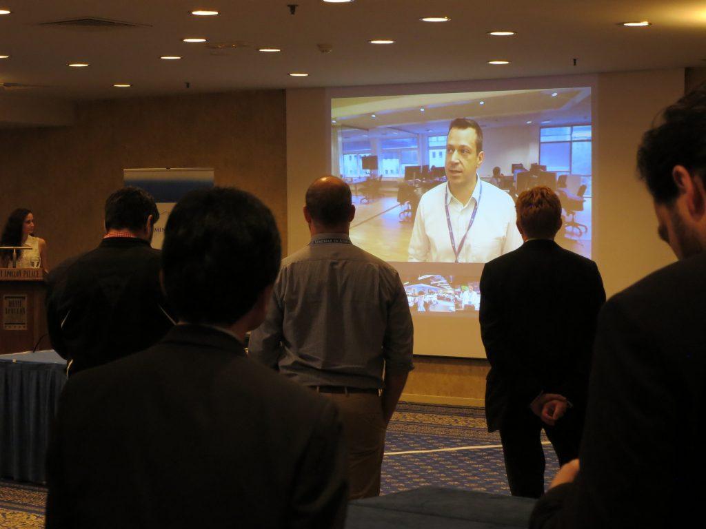 日本・デンマーク・アメリカのサービスセンターから同時中継